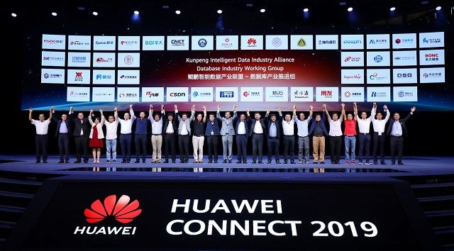 huawei-group.jpg