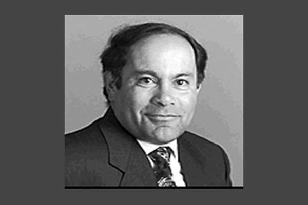 完成RDBMS的跨时代天才——Bob Miner.png